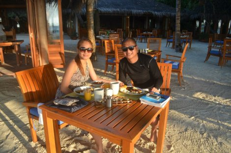 Day 3: Early morning breakfast before diving.
