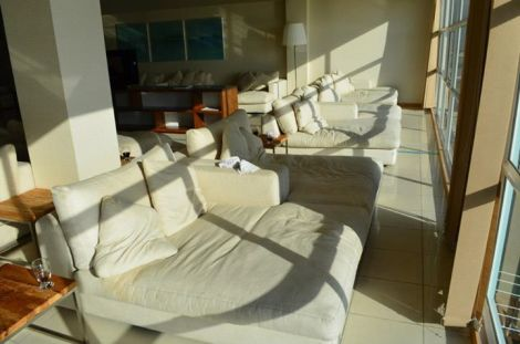 The Hiilton Lounge.