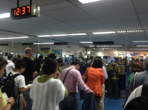 Long line at MNL immigration.