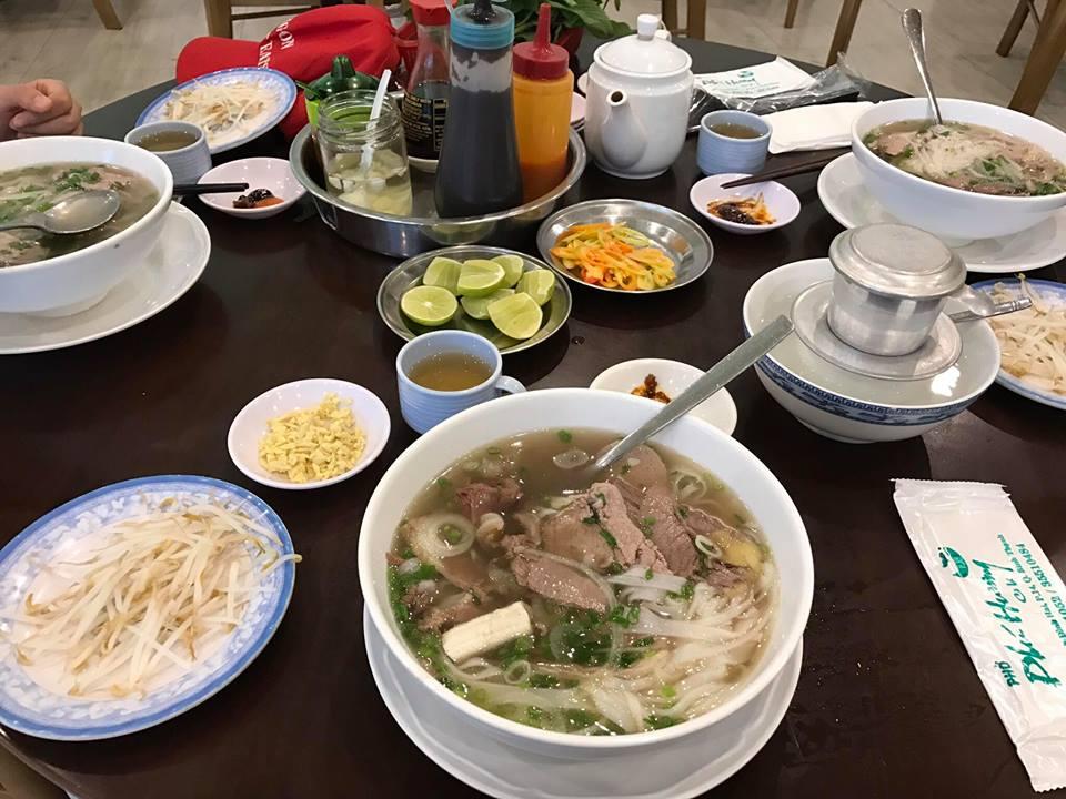 Food Tour: Saigon Street Eats.